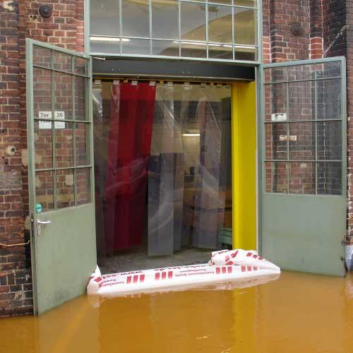 Barrage gonflable pour portes