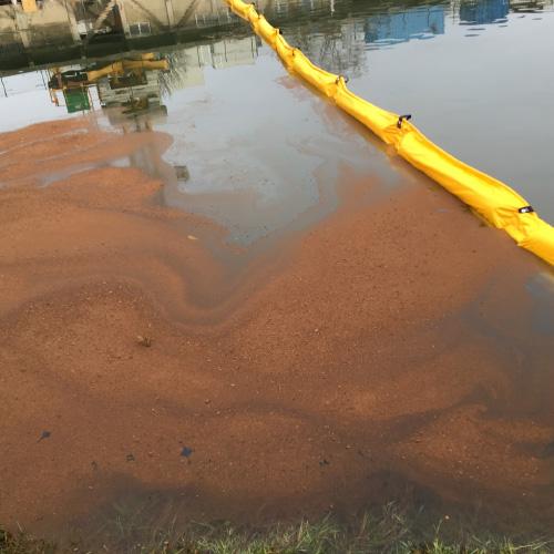Biotourbe sur l'eau