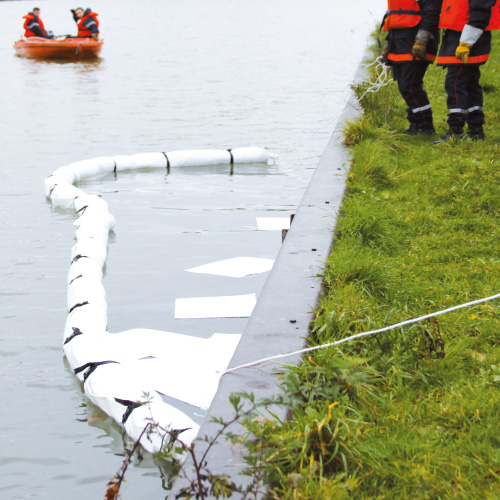 Barrages absorbants avec jupe en PVC pour déversements accidentels sur l'eau