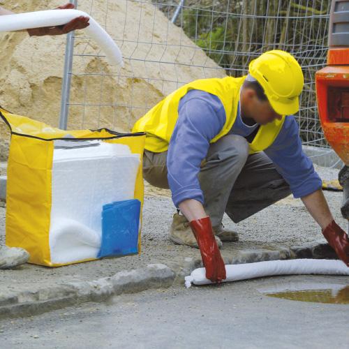 Kit d'intervention en sac pour pollutions hydrocarbures, tous liquides ou produits chimiques