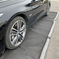 tapis absorbant pour voiture électrique